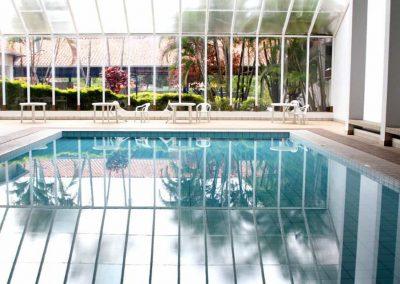 Lazer-piscina-coberta-b-Hotel-Majestic-Aguas-de-Lindoia